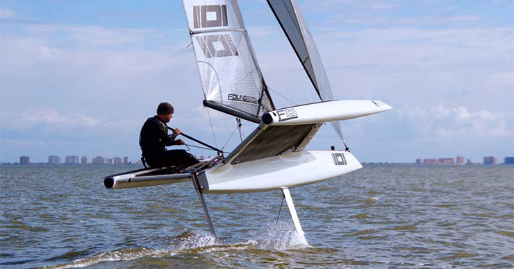 Foiling sailboat